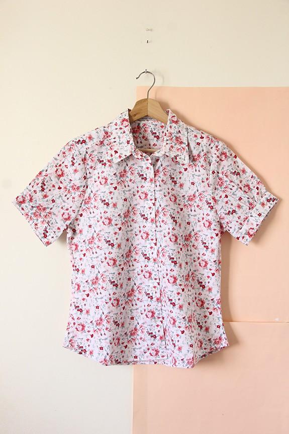 Camisa poplin flores rojas chicas