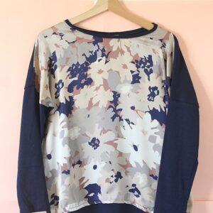 Remera Amapola de seda y algodón flores azules