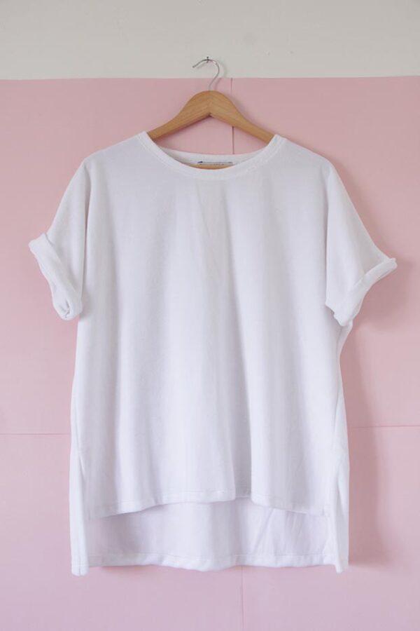 Remera poncho plush blanco manga corta