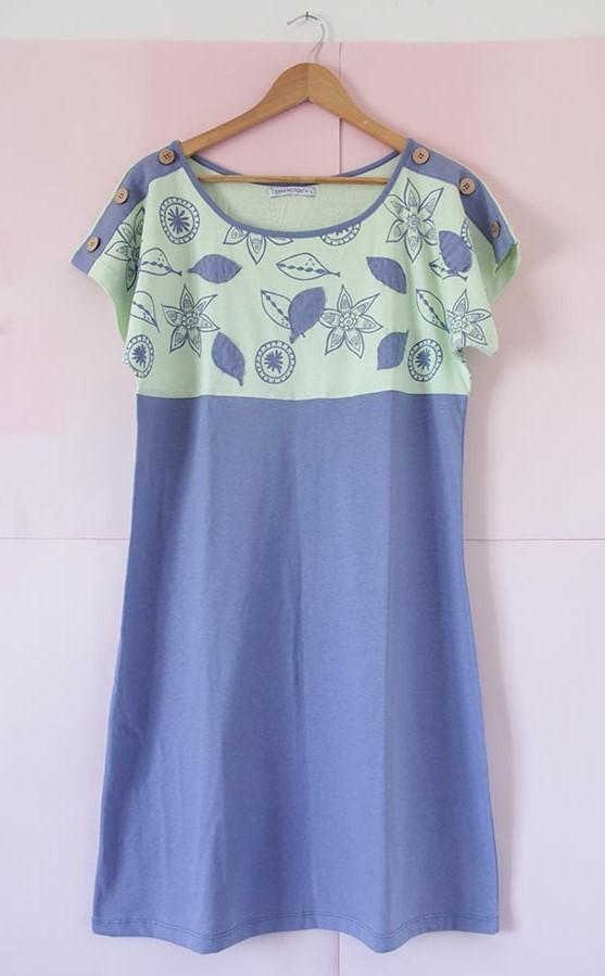 Vestido Japón azul y verde con apliques